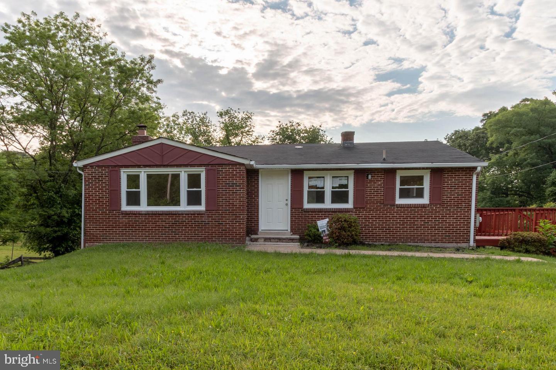 Photo of home for sale at 21310 Aquasco Road, Aquasco MD