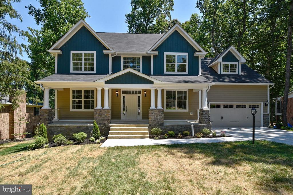 LUXURY! Brand New 5BR in Graham Park Shores - 18413 CEDAR DR, TRIANGLE