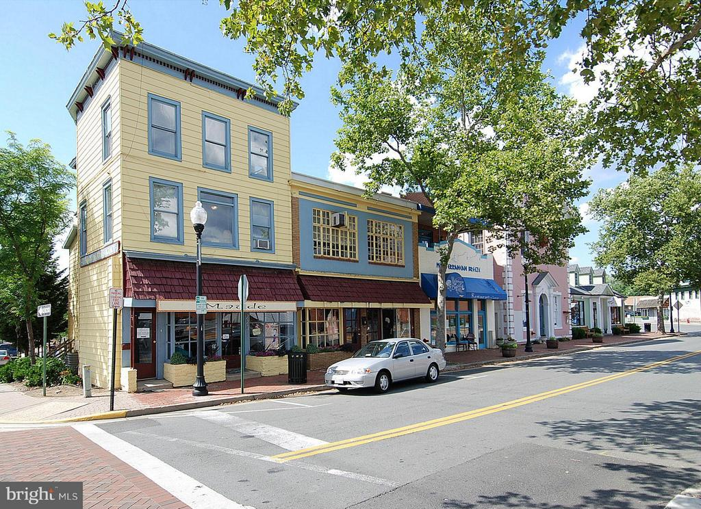 Herndon Historic shopping area - 790 3RD ST, HERNDON