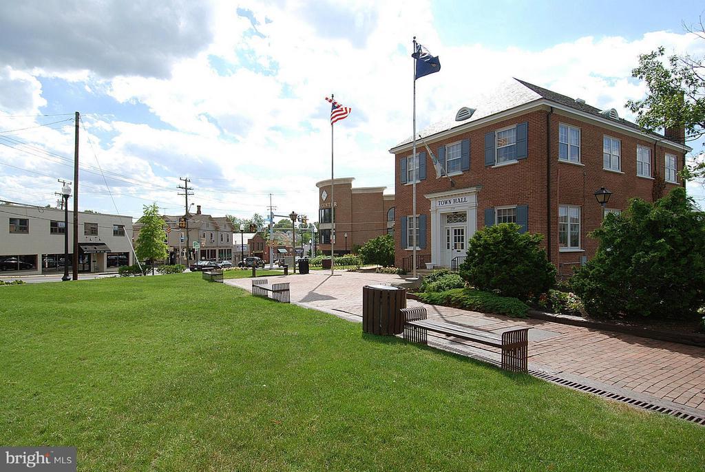 Town Hall - 790 3RD ST, HERNDON