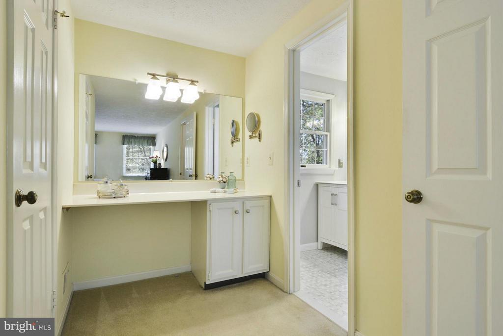 Dressing area with large walk-in closet - 790 3RD ST, HERNDON