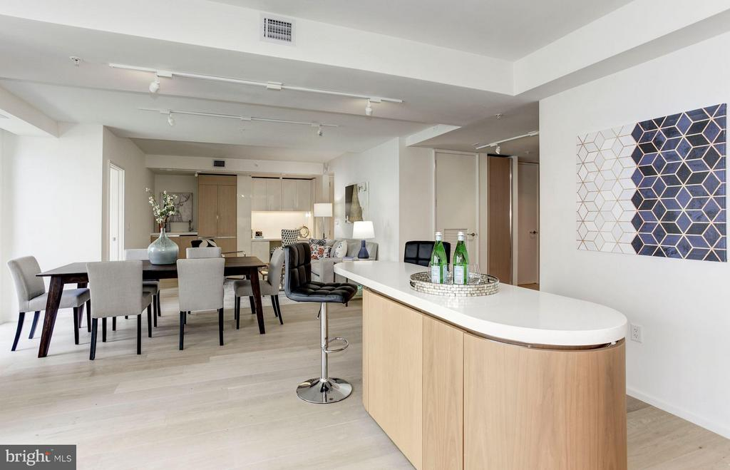Plenty of space for hosting and entertaining - 920 I ST NW #505, WASHINGTON