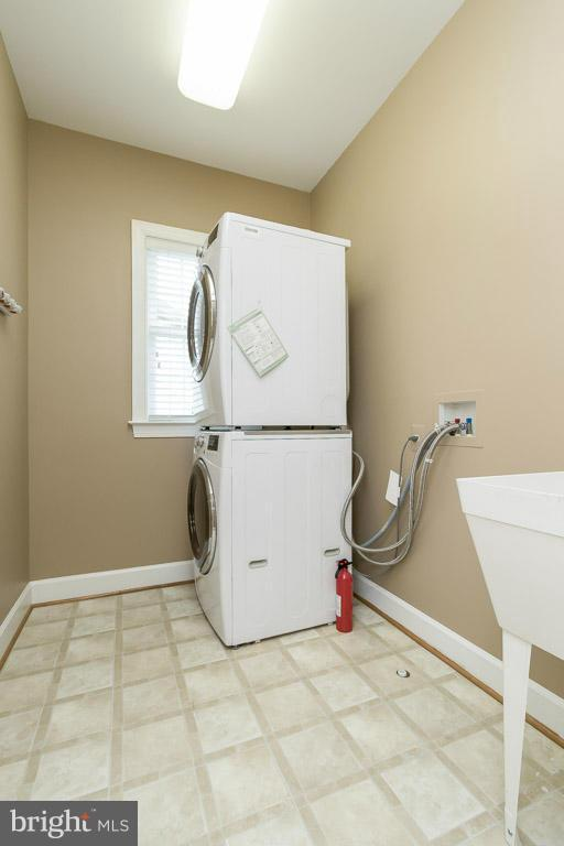 Washer/Dryer Room - 5985 TWIN BRANCH CT, HAYMARKET