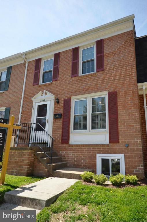 Front of home - 2352 HORSEFERRY CT, RESTON