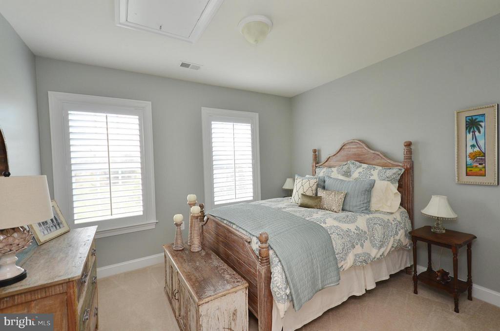 Bedroom 2 Upper Level - 41852 MARIGOLD MILL PL, ASHBURN
