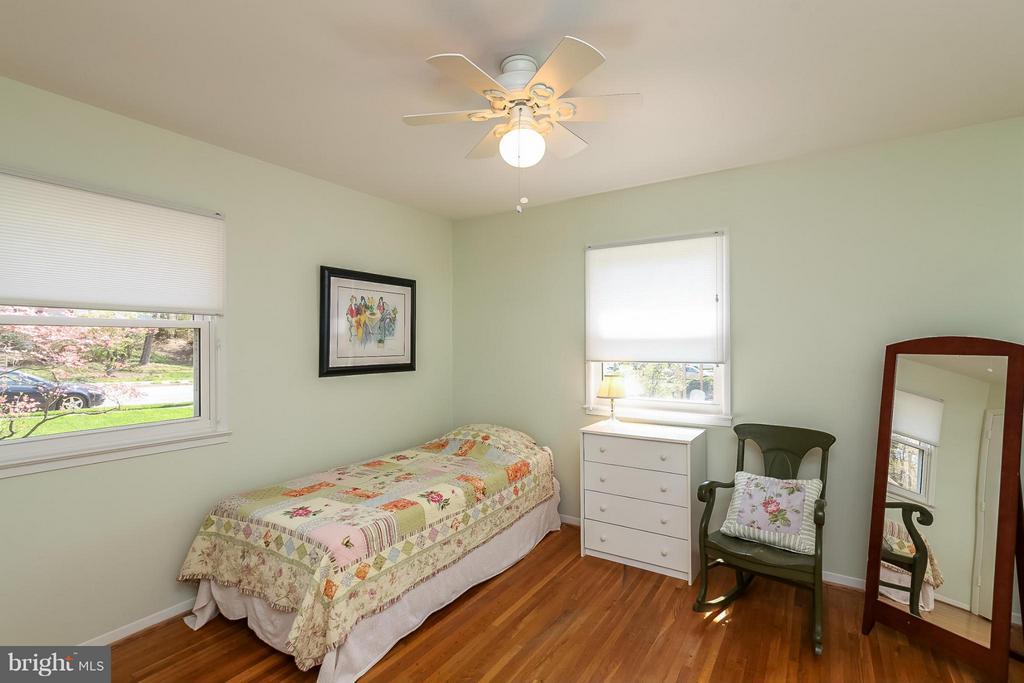Bedroom - 4212 BRAEBURN DR, FAIRFAX