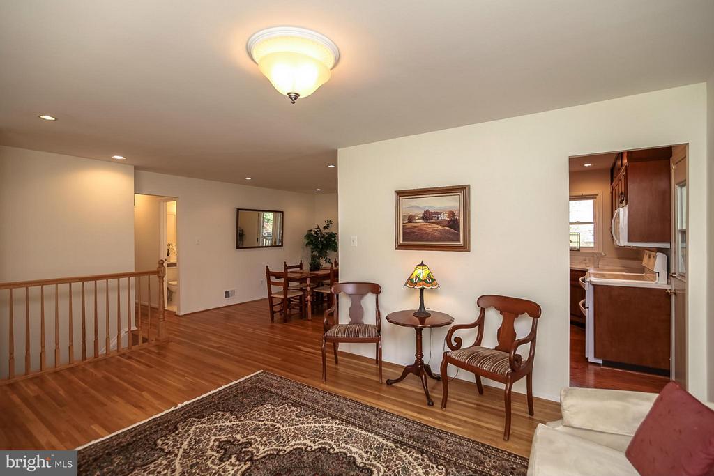 Living Room/Dining Room - 4212 BRAEBURN DR, FAIRFAX