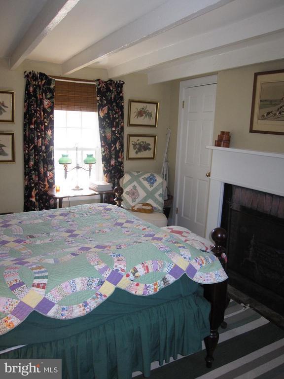 Bedroom - 38085 HOMESTEAD FARM LN, MIDDLEBURG