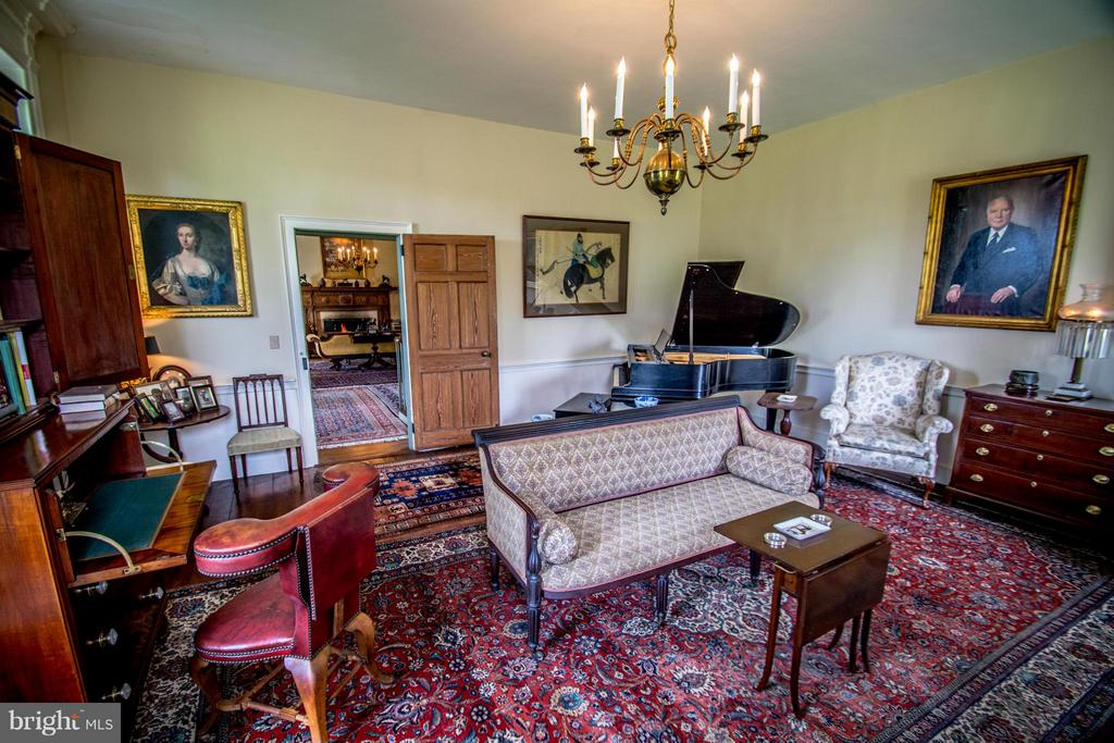 Living room - 6342 PLEASANT COLONY, WARRENTON
