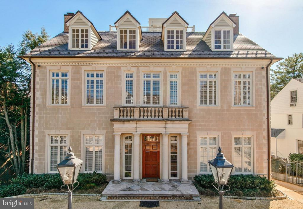 Stunning Georgian details, on prestigious street - 3101 CHAIN BRIDGE RD NW, WASHINGTON