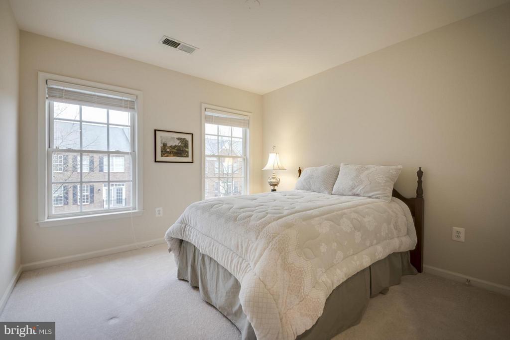 Bedroom #2 - 143 HERNDON MILL CIR, HERNDON