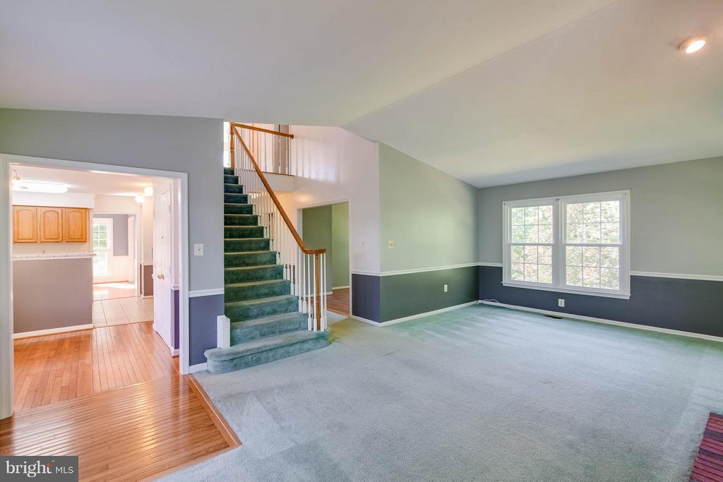 Family Room - 368 EUSTACE RD, STAFFORD