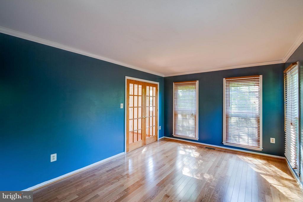Living Room - 368 EUSTACE RD, STAFFORD