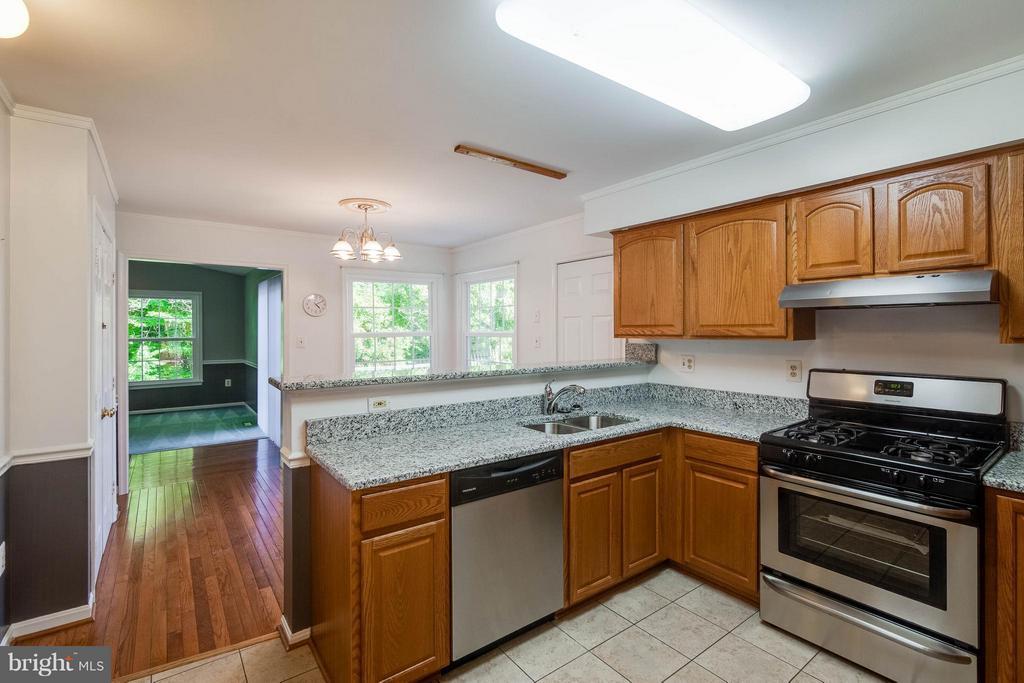 Kitchen - 368 EUSTACE RD, STAFFORD