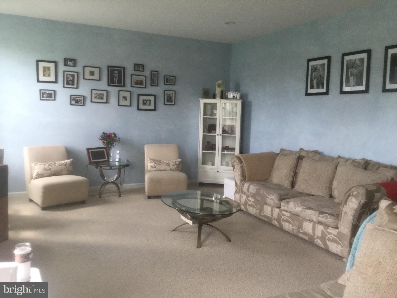 Maison unifamiliale pour l à louer à 307 CRESCENT Drive Bordentown, New Jersey 08505 États-Unis