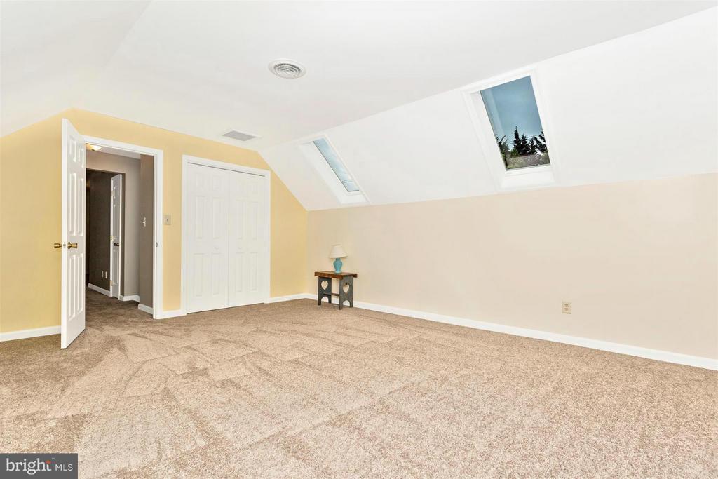 Bedroom 4 - 1010 VILLAGE GATE DR, MOUNT AIRY