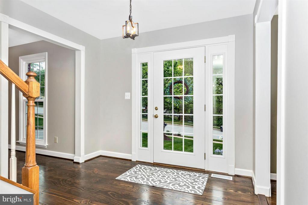 Foyer - 1010 VILLAGE GATE DR, MOUNT AIRY