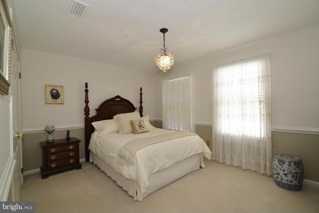 Bedroom 3 - 2611 MEADOW HALL DR, HERNDON