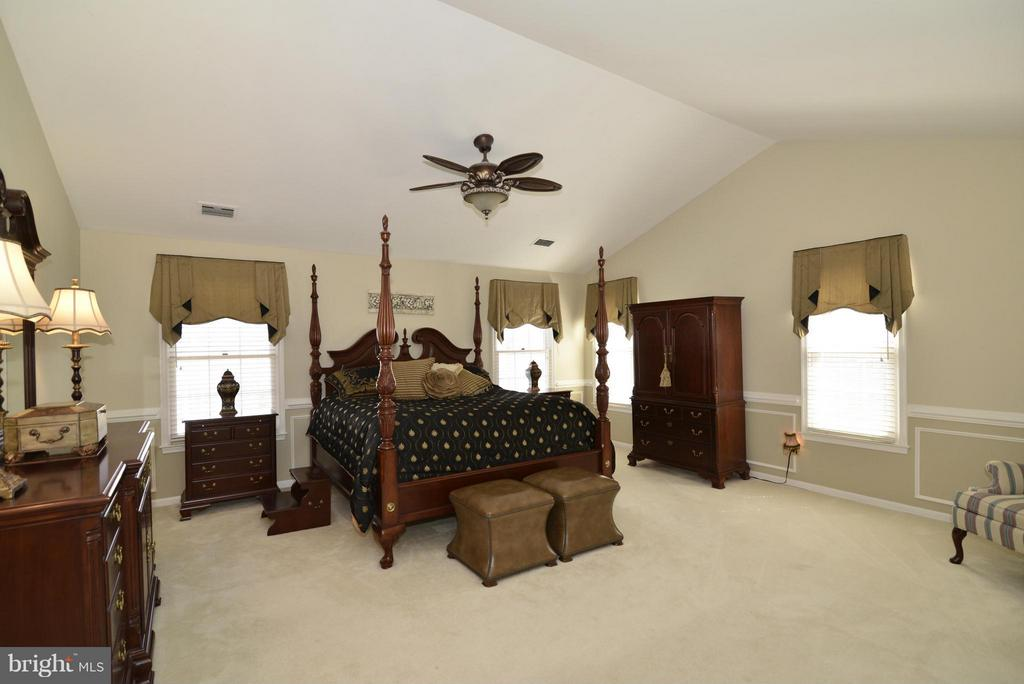 Bedroom (Master) - 2611 MEADOW HALL DR, HERNDON