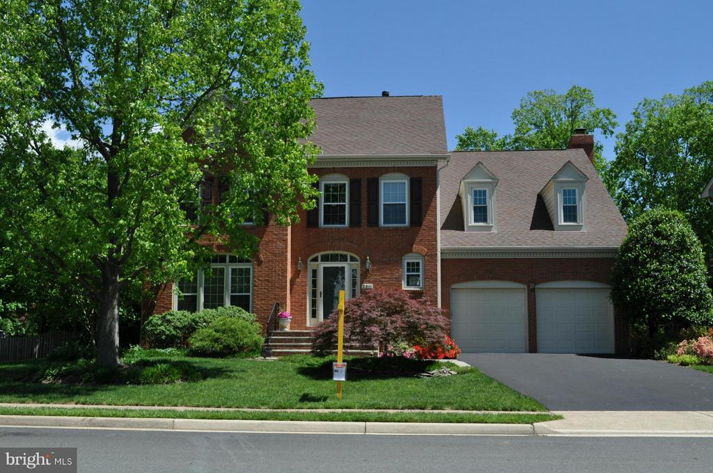 Exterior (Front) - 2611 MEADOW HALL DR, HERNDON