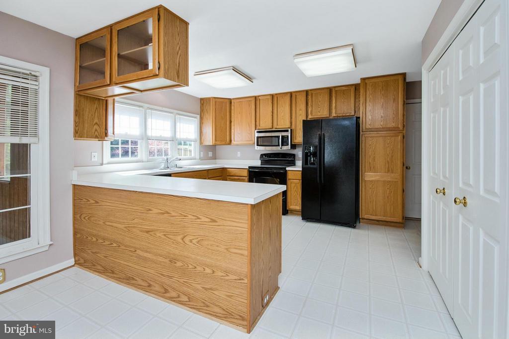 Kitchen - 30 WESTBROOK LN, STAFFORD