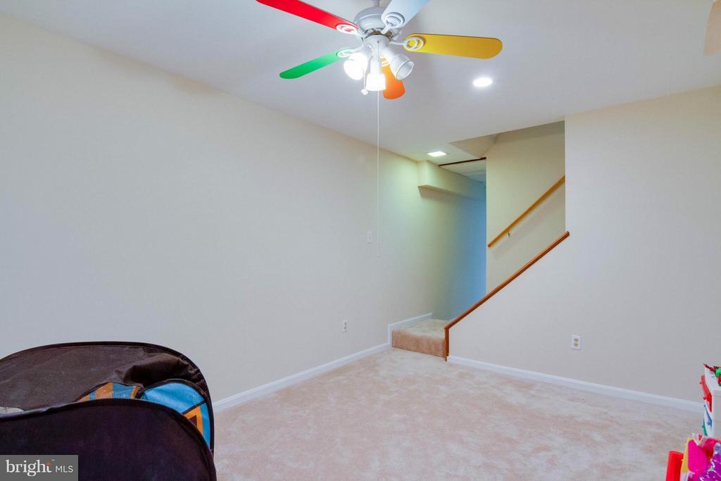 finished basement - 12806 KETTERING DR, HERNDON