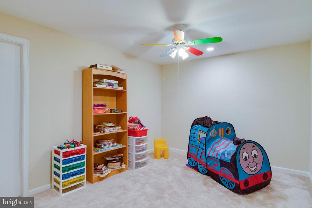 playroom in the basement - 12806 KETTERING DR, HERNDON