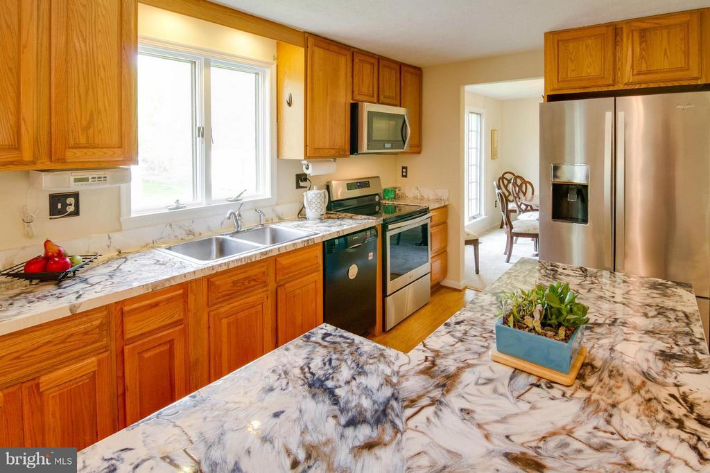 Kitchen 2 - 12806 KETTERING DR, HERNDON