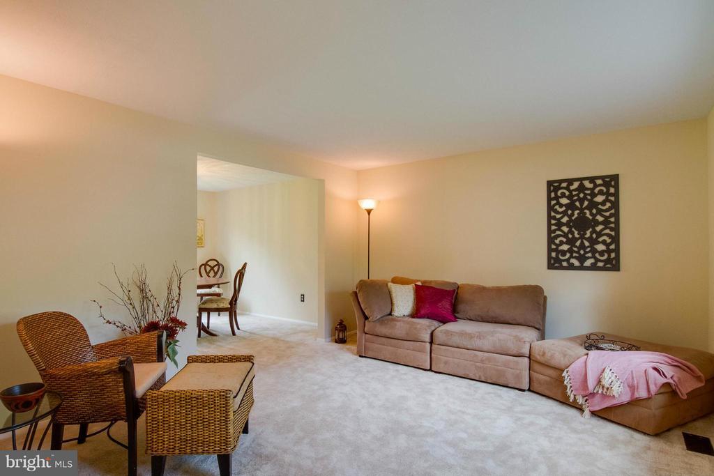 Living Room - 12806 KETTERING DR, HERNDON