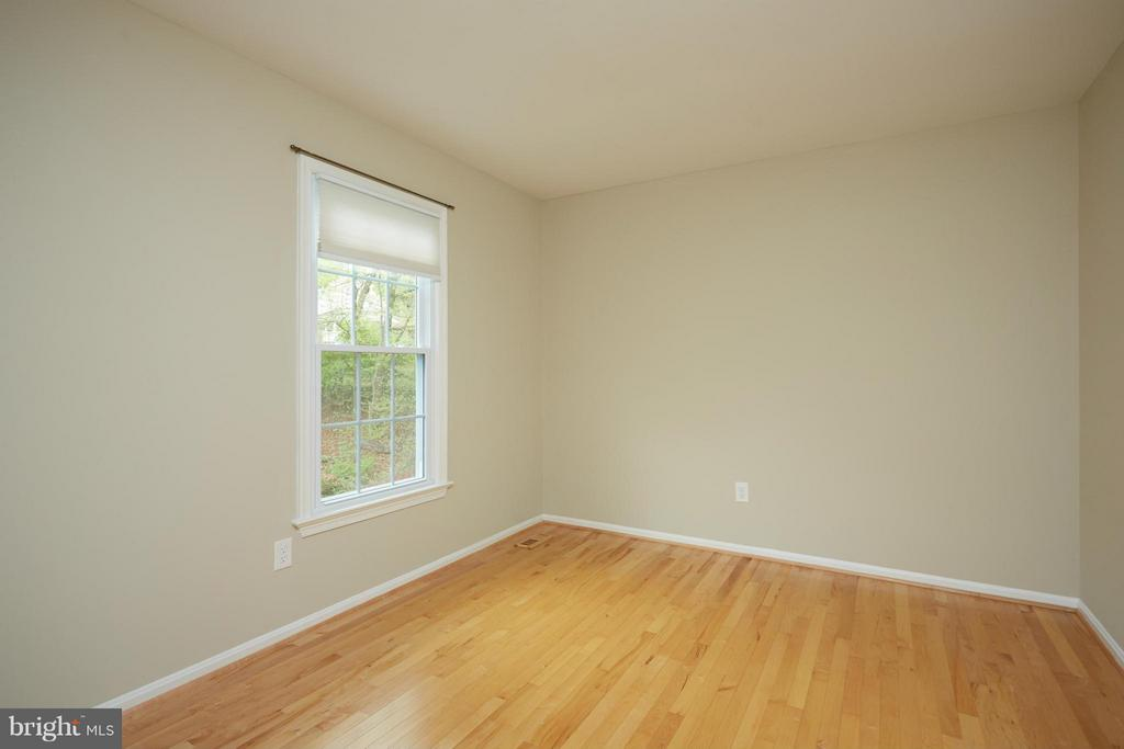 Bedroom 2 -- hardwood floors, good closet space - 722 UPHAM PL NW, VIENNA