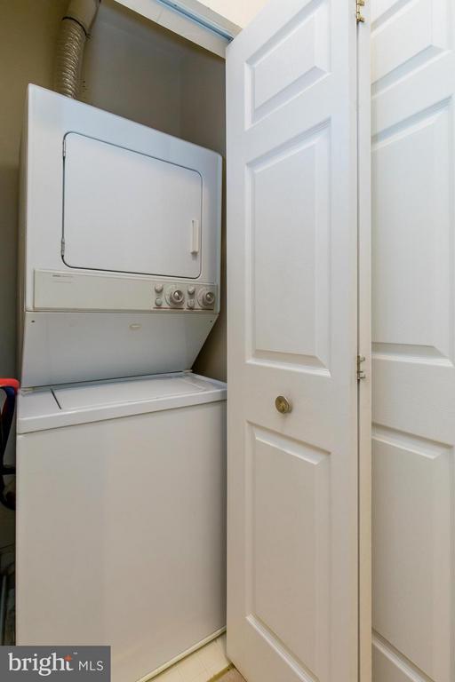Laundry - 1320 WAYNE ST N #208, ARLINGTON