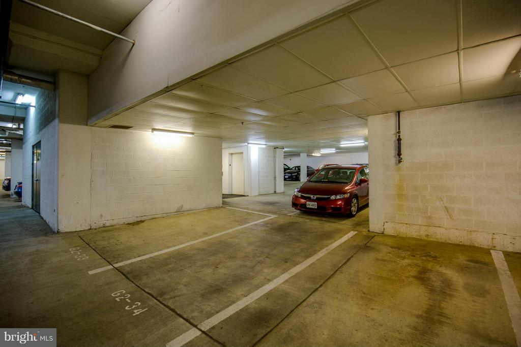 Parking Garage - 1320 WAYNE ST N #208, ARLINGTON