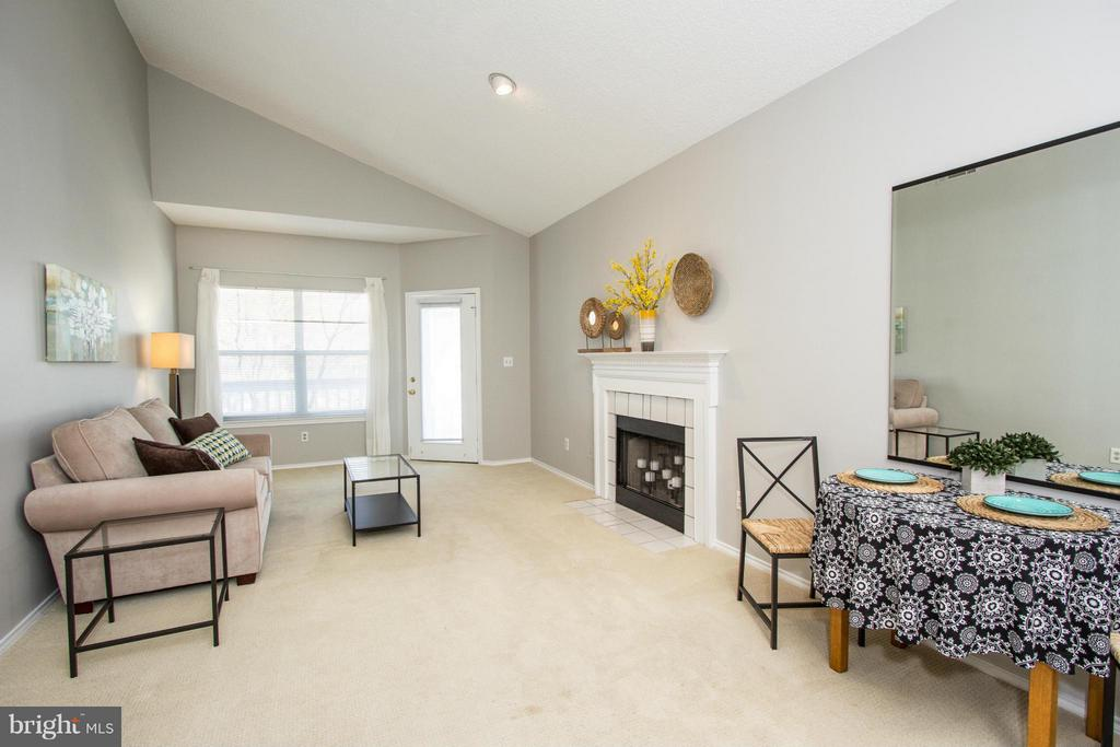 Lots of natural light, access to huge balcony - 13060 AUTUMN WOODS WAY #201, FAIRFAX