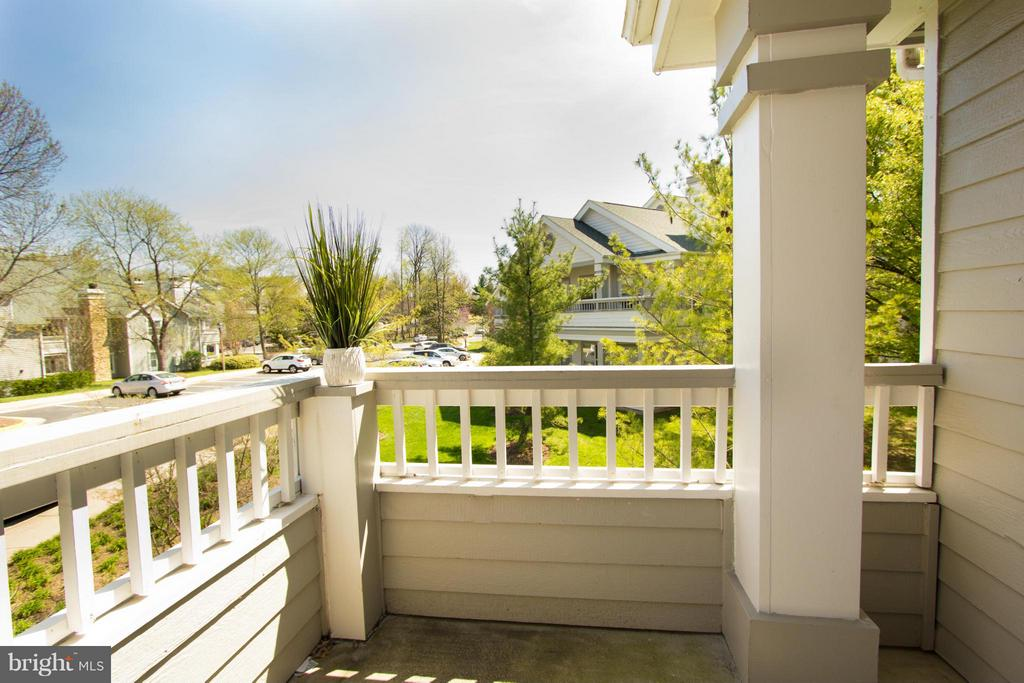 Sunny balcony with views of green space - 13060 AUTUMN WOODS WAY #201, FAIRFAX
