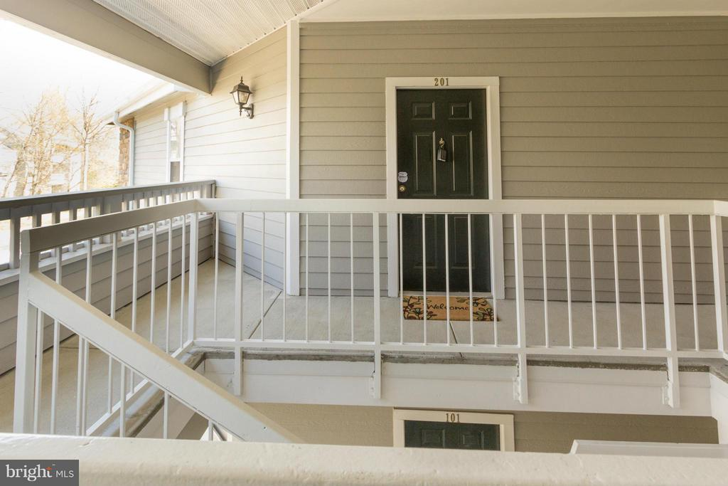 Top-level, 2nd story, 1-level unit - 13060 AUTUMN WOODS WAY #201, FAIRFAX