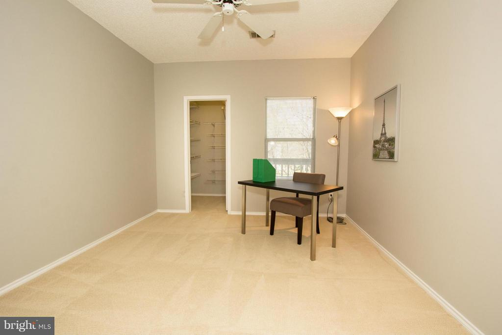 Second bedroom with walk-in closet, perfect office - 13060 AUTUMN WOODS WAY #201, FAIRFAX