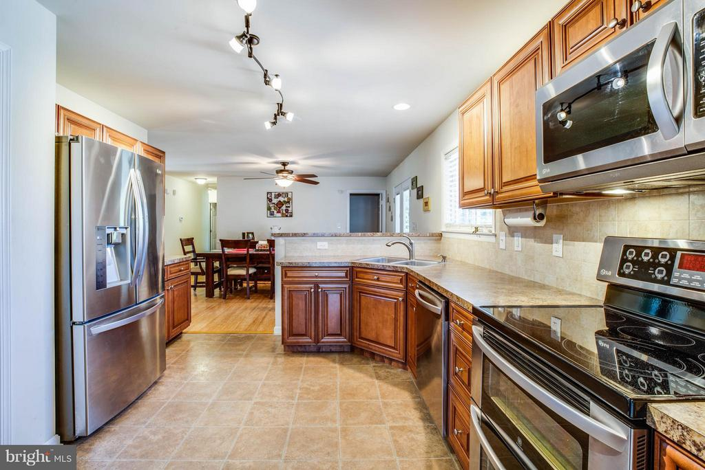 Kitchen - 4207 SHEPHERDS RD, PARTLOW