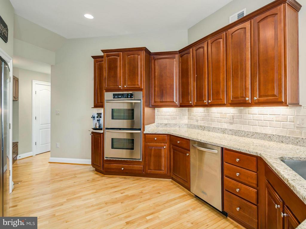 Kitchen - 19184 GREYSTONE SQ, LEESBURG