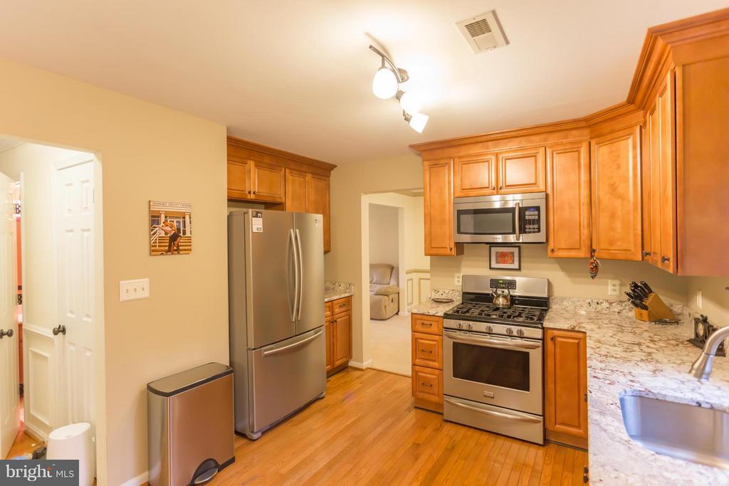 Kitchen - 1 HAMPSHIRE CT, STAFFORD