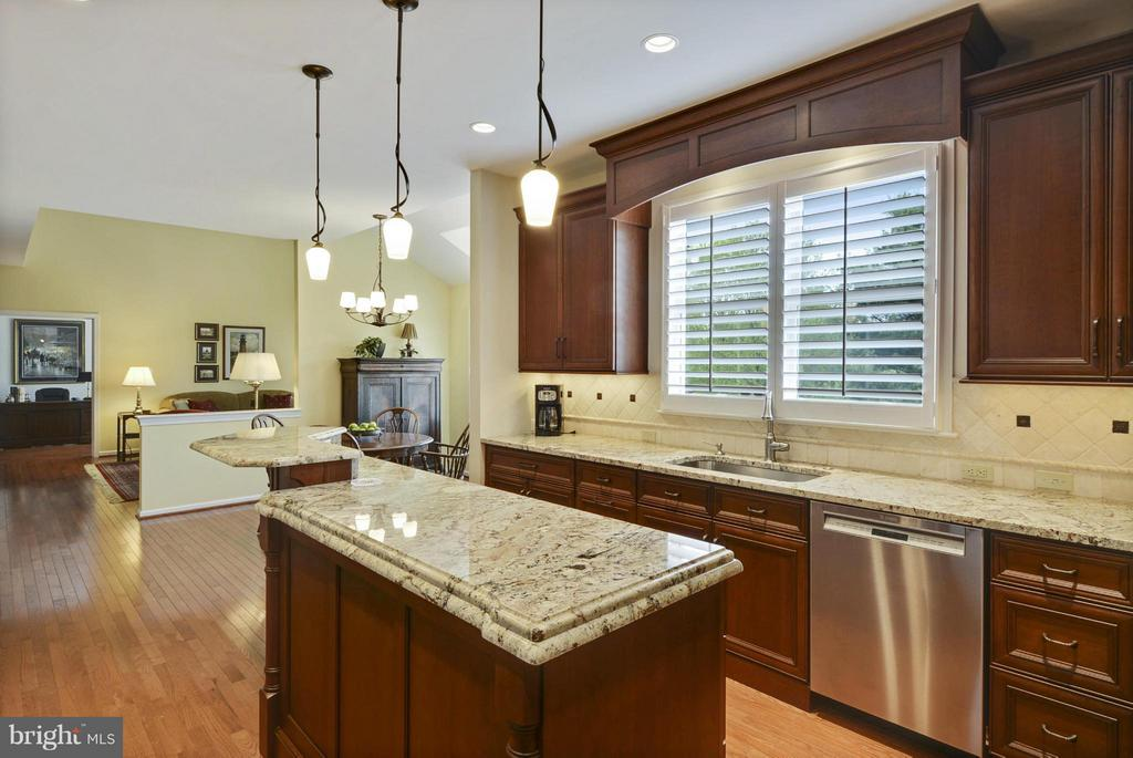 Kitchen - 1321 DASHER LN, RESTON