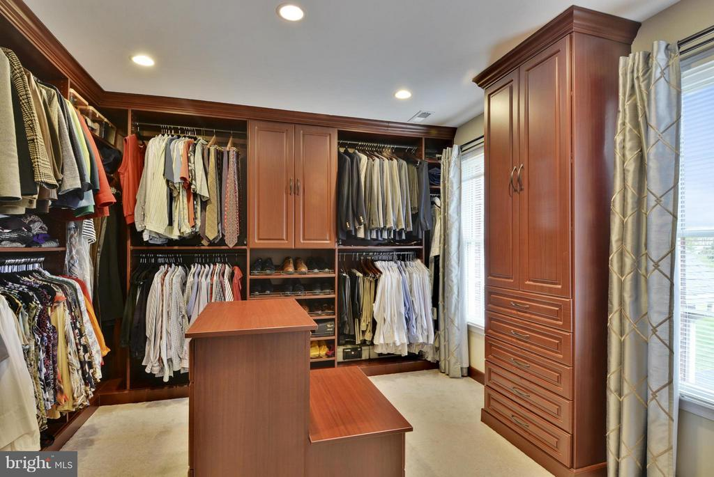 Master Closet with Custom Cabinets - 1321 DASHER LN, RESTON