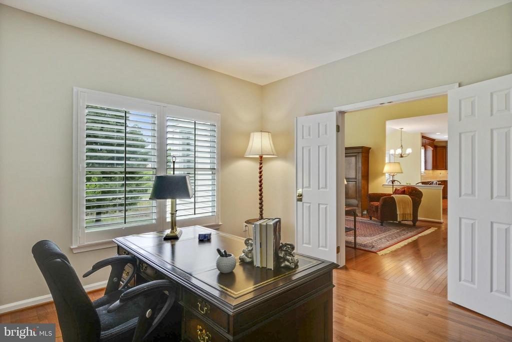 Main Level Study - 1321 DASHER LN, RESTON