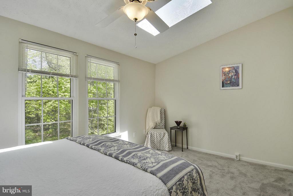 Bedroom (Master) - 1526 WOODCREST DR, RESTON