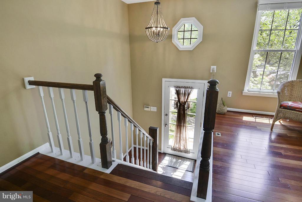 Foyer View - 1526 WOODCREST DR, RESTON