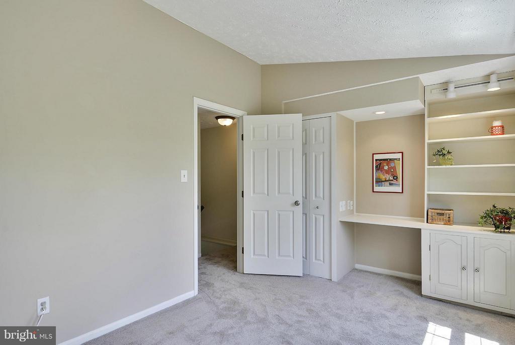 Bedroom #2 has Built Ins - 1526 WOODCREST DR, RESTON