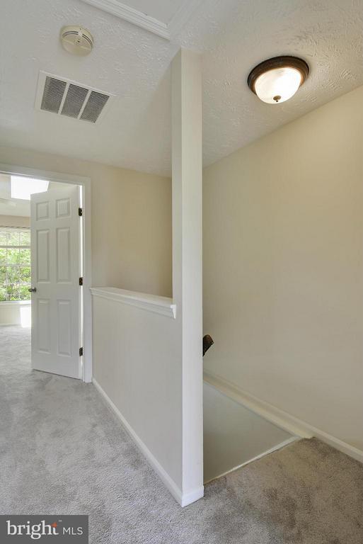 Upper Hallway - 1526 WOODCREST DR, RESTON
