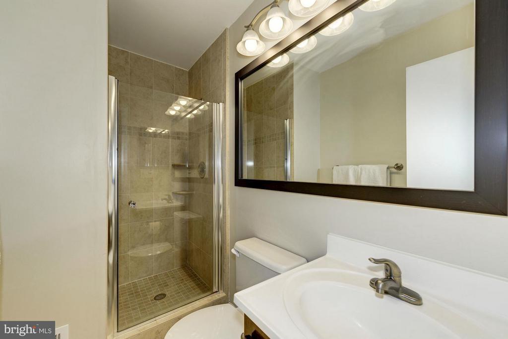 Bath (Master) - 11932 GLEN ALDEN RD, FAIRFAX