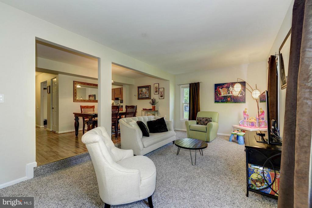 Living Room - 11932 GLEN ALDEN RD, FAIRFAX