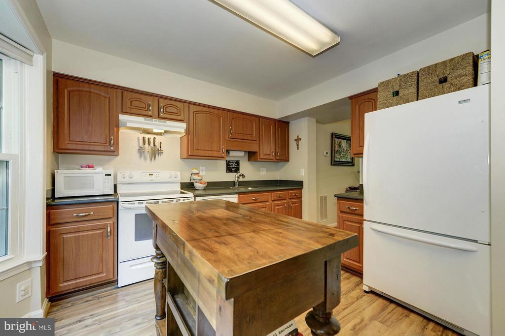 Kitchen - 11932 GLEN ALDEN RD, FAIRFAX