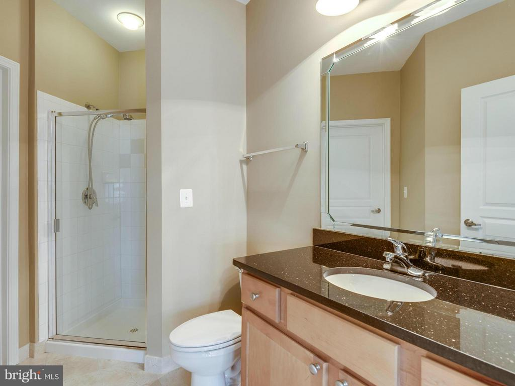 Bath - 12000 MARKET ST #348, RESTON